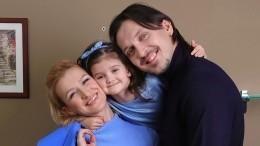 «Семейное решение»: Волосожар раскрыла имя второго ребенка отТранькова