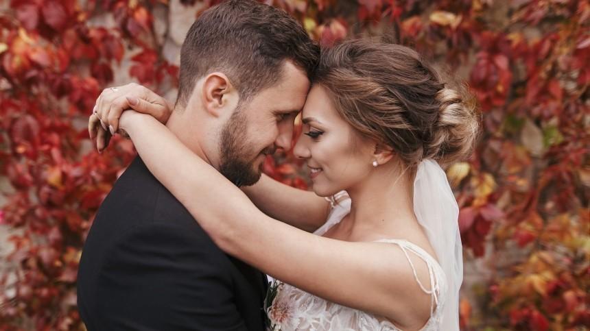 Лунный календарь свадеб: благоприятные дни для заключения брака летом 2021 года