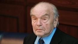 Впамять огении: вМоскве установили памятник композитору Владимиру Шаинскому