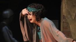 «Театр умер»: что звезды кино итеатра думают оприглашении Бузовой вМХАТ?