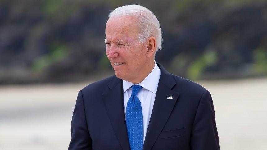 Джо Байден заблудился вовремя саммита G7— видео