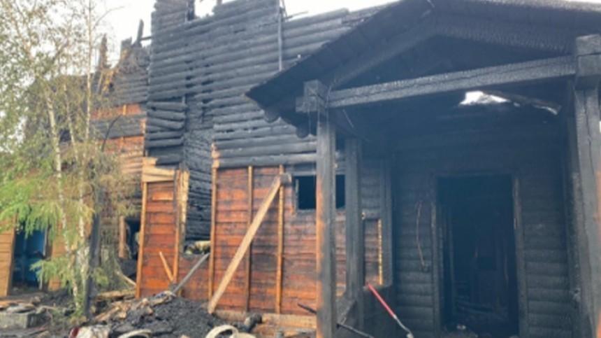 Три человека сгорели заживо вчастном доме вЯкутске— фото