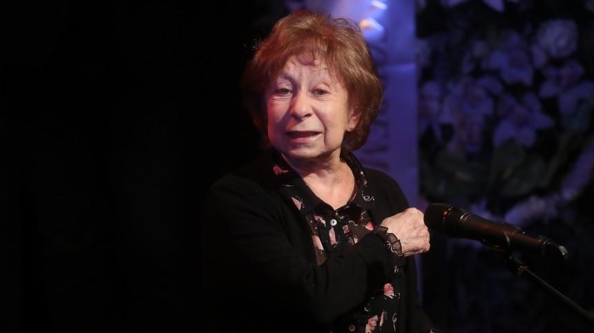 Завыход насцену театра Бузова заработала вчетыре раза больше, чем Ахеджакова