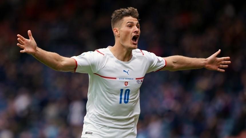 Исторический гол: чех Шик забил с45 метров вворота Шотландии наЕвро-2020