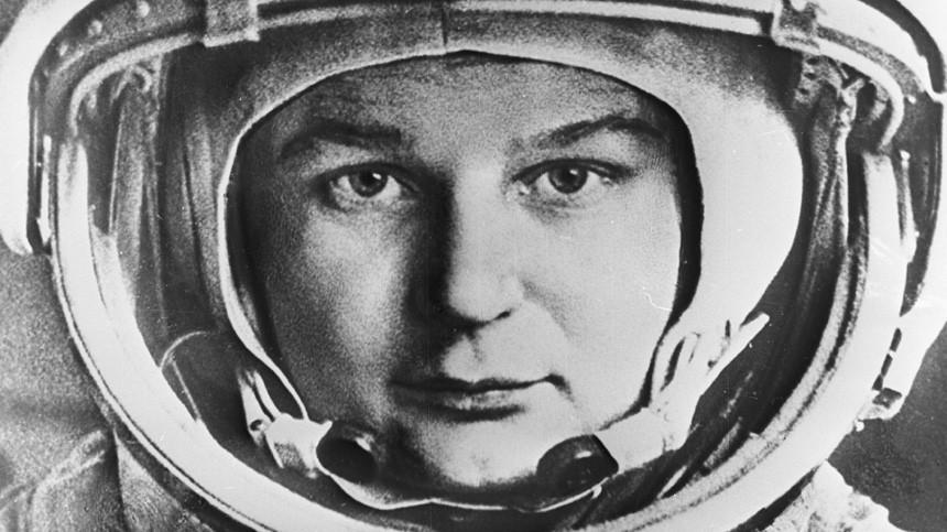 Как Валентина Терешкова стала первой женщиной вкосмосе?