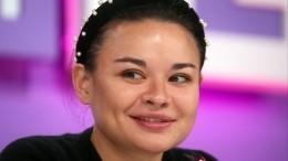 «Все равно стройняшка»: Ксения Шойгу сообщила обеременности
