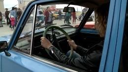 Под Екатеринбургом состоялась масштабная гонка навинтажных автомобилях