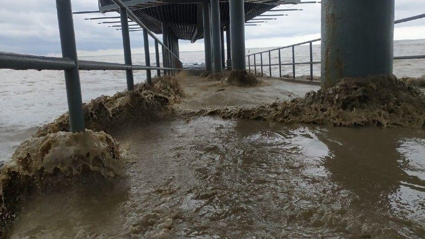 Аномалия природы VS аномалия жадности: турфирмы продолжают продавать путевки вутонувший Крым