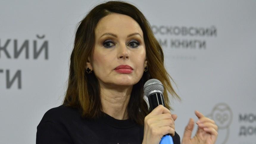 Где справедливость? Ирина Безрукова попросила втеатре зарплату Бузовой