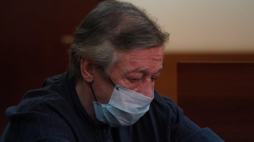 Ефремов просит снисхождения из-за расстройства психики иалкогольной зависимости
