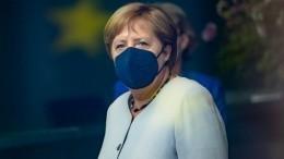 Меркель привилась отCOVID-19 компонентами разных вакцин