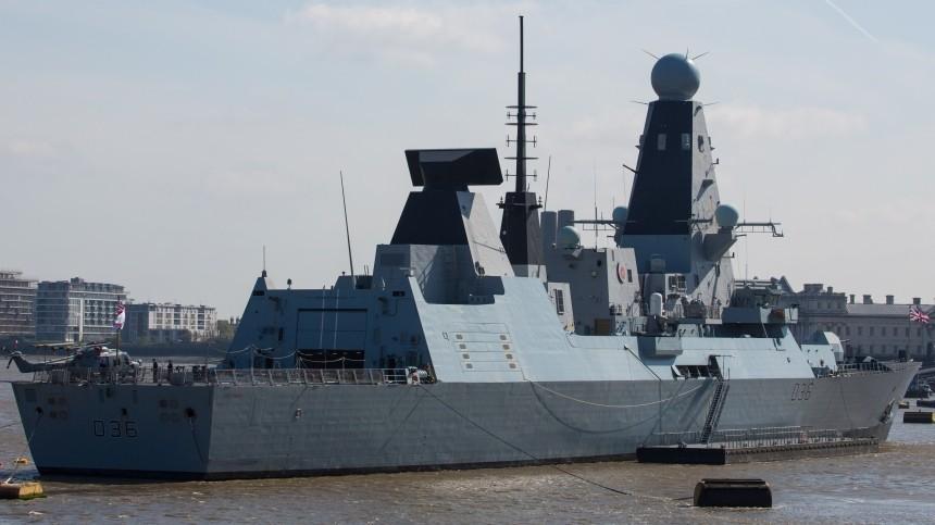 Бомбометание истрельба: Британский эсминец нарушил границу РФвЧерном море