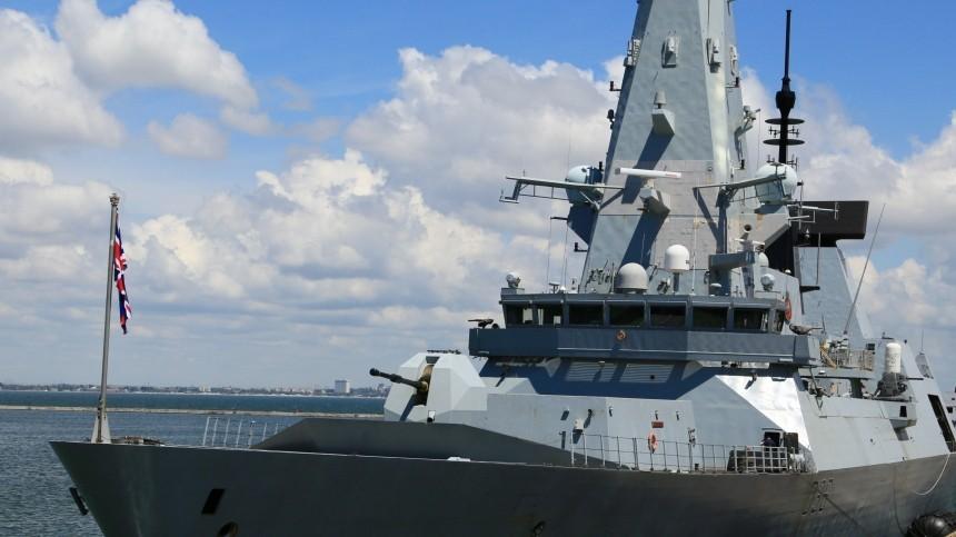 Журналист BBC опубликовал видео сборта эсминца «Дефендер» уберегов Крыма