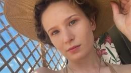 «Дико боялась»: перенесшая операцию Монеточка опубликовала фото избольницы