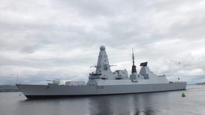 Начальник Генштаба Британии признал риск эскалации из-за случая сDefender