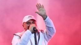 Националисты напали напоклонников Басты вовремя его концерта вКиеве