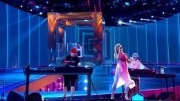 Танцы доупада: Cream Soda исполнила на«Алых парусах» свои лучшие хиты
