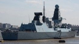 После инцидента вКрыму британский эсминец Defender встретили вГрузии танцами