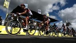 Французская полиция разыскивает виновницу завала велосипедистов на«Тур деФранс»