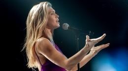 Тест: Угадайте певицу построкам изпесни