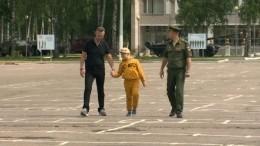 Военные ЗВО исполнили мечту тяжелобольного ребенка, прокатив наТ-80