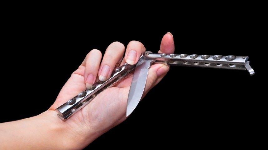 Нож всердце: Момент убийства девушкой подростка вБратске попал навидео (18+)