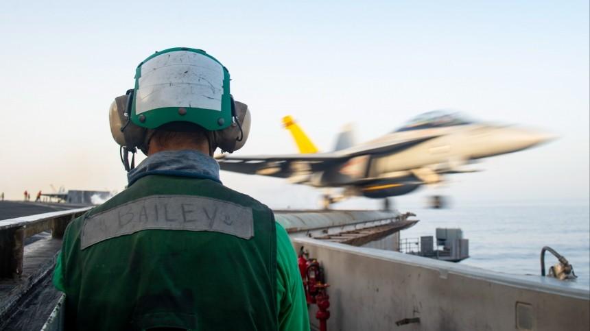 Бельгийский F-16 при взлете влетел вздание авиабазы «Леуварден» вНидерландах