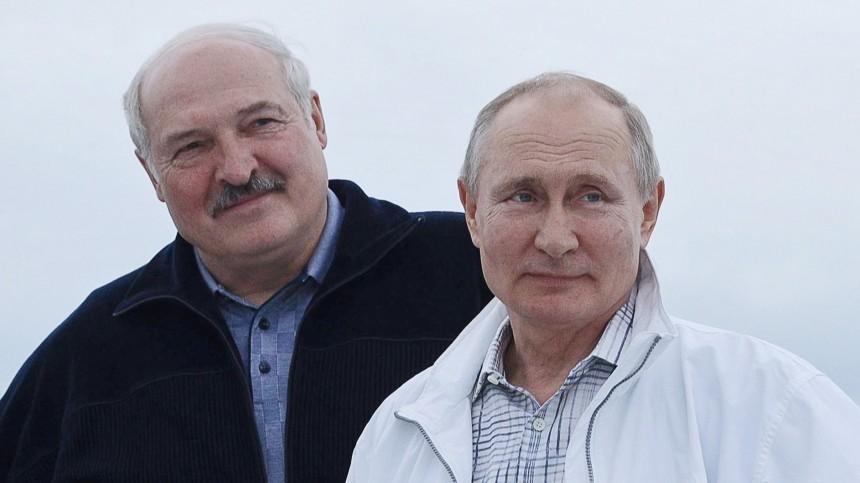Путин выразил солидарность Лукашенко вусловиях санкционного давления