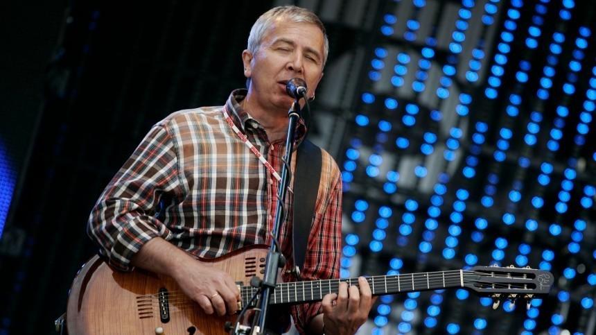 Вокалист «Воскресения» Романов прокомментировал сообщения оего госпитализации