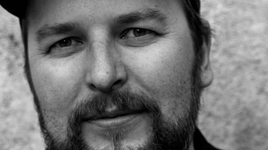 Режиссера клипов МакSим тайно похоронили под Смоленском