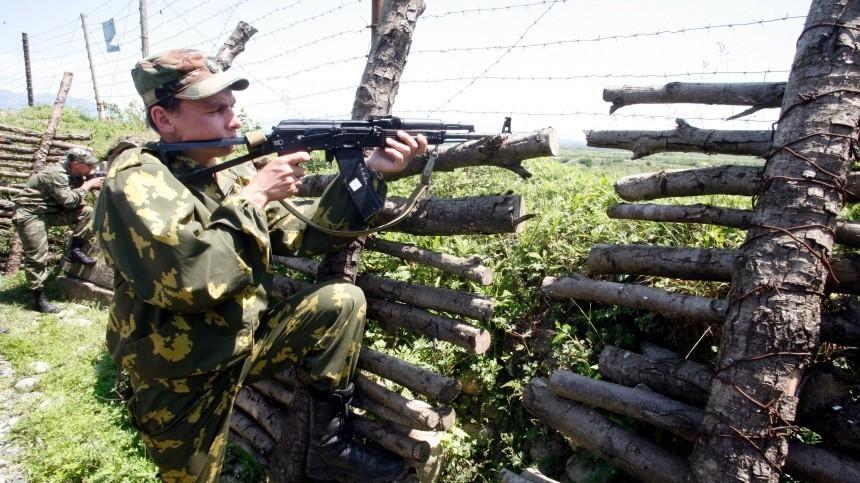 Лукашенко заявил опопытке «отрядов самообороны» подорвать узел связи ВМФ РФ