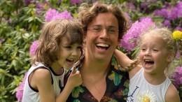 «Хочу, чтобы дочка была веселая»: Максим Галкин встал насторону Лизы вспоре