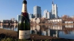 Передумали уходить: Moet Hennessy продолжит ввоз шампанского вРоссию