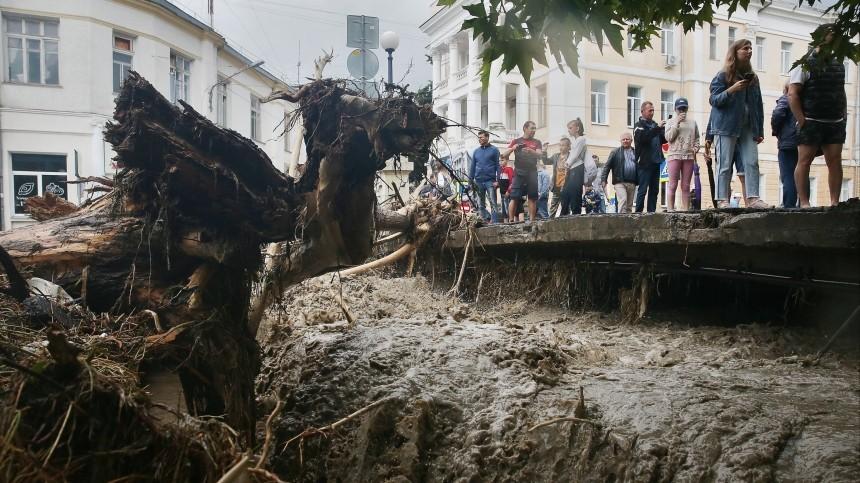 Из-за наводнения вКрыму эвакуировали более 160 человек