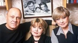 «Все. Все… Все. . .»: Юлия Меньшова поделилась болью утраты знаменитого отца