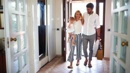 Как узнать настоящий запах вашей квартиры?