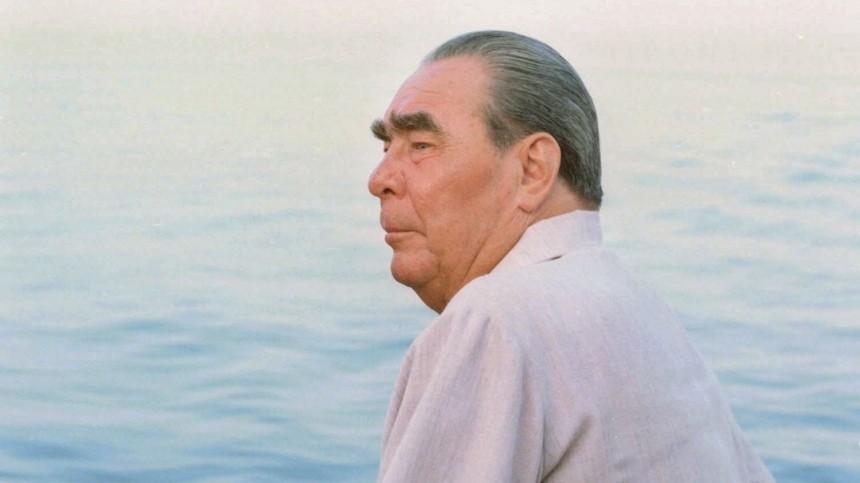 «Яхта Брежнева» помешала американцам проводить учения вЧерном море