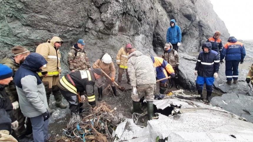 Поиск жертв крушения Ан-26 наКамчатке продолжается— фото сместа трагедии