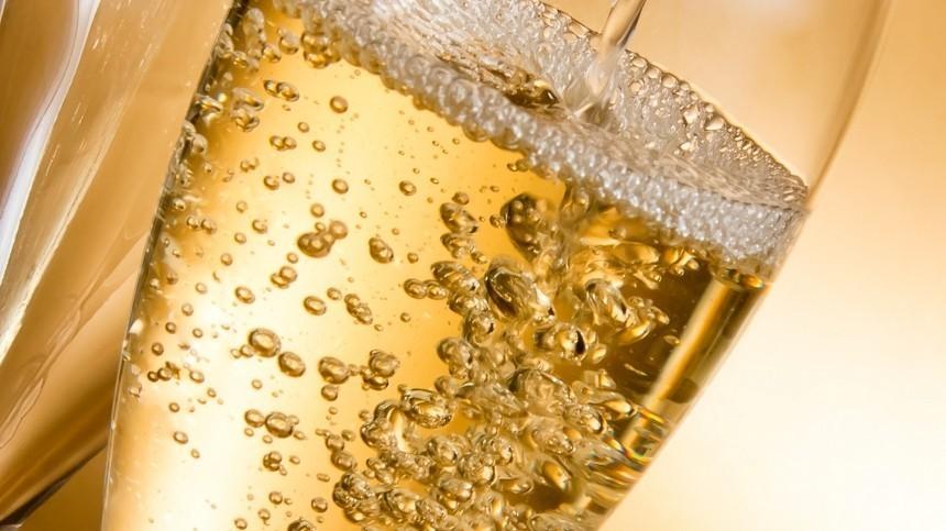 НеMoet: авторы закона объяснили термин «российское шампанское»