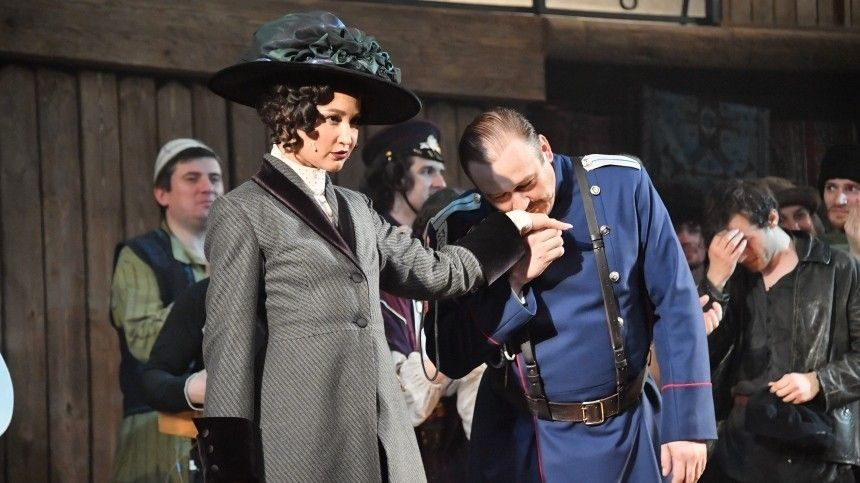 «Похороны театра»: Приходько овыходе Бузовой насцену МХАТа
