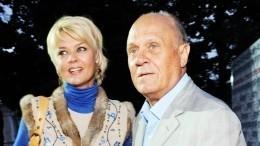 «Непредставляете, как важно»: Меньшова поблагодарила выполнивших еепросьбу вдень похорон отца