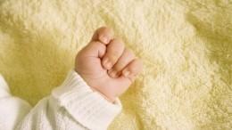 «Такой крик был»: Что известно омосковской семье, где брат выбросил младенца сбалкона