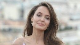 Уже знакомит сдетьми: Анджелину Джоли заподозрили вромане срэпером The Weeknd