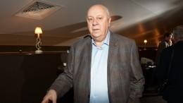 Похоронивший жену Аркадий Инин попал вреанимацию из-за рака