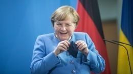 Меркель высказалась против обязательной вакцинации откоронавируса