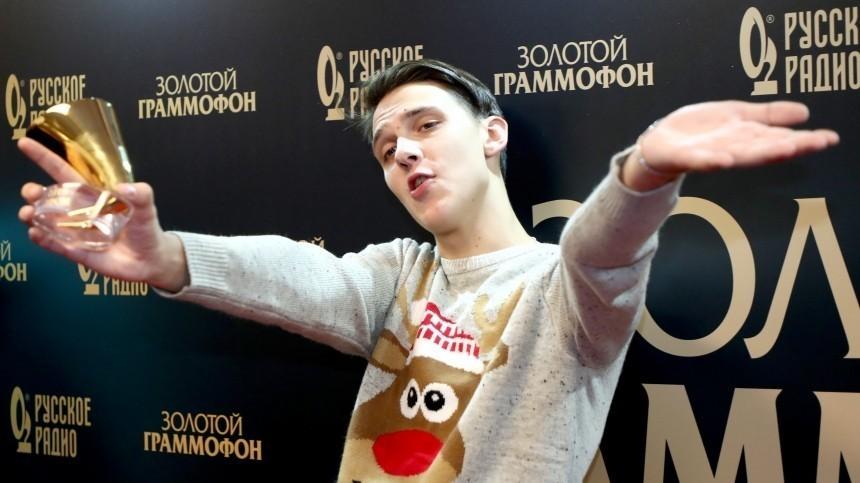 Тима Белорусских провел несколько суток визоляторе, где вэто время крутили его хиты
