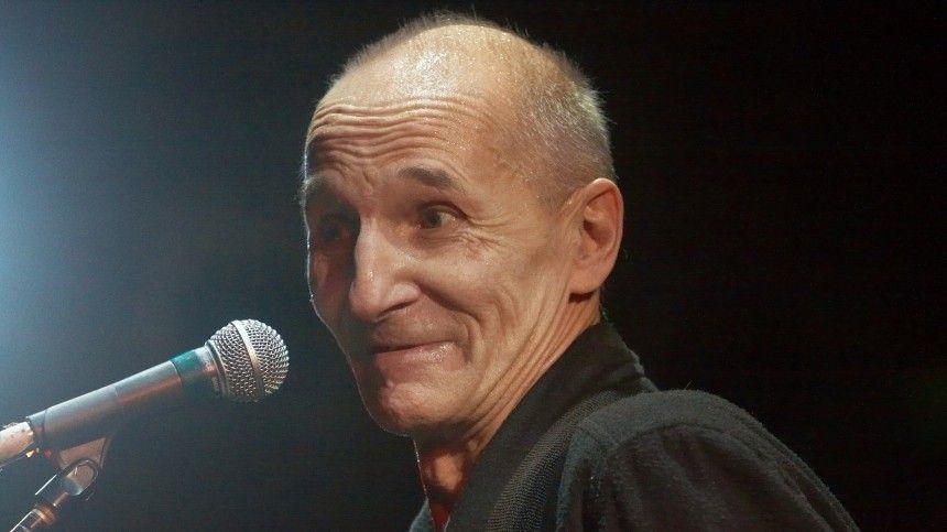 «Комариными шажками вцарство небесное»: ушел изжизни культовый музыкант Петр Мамонов