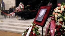 Кинорежиссера Александра Стефановича похоронили наТроекуровском кладбище