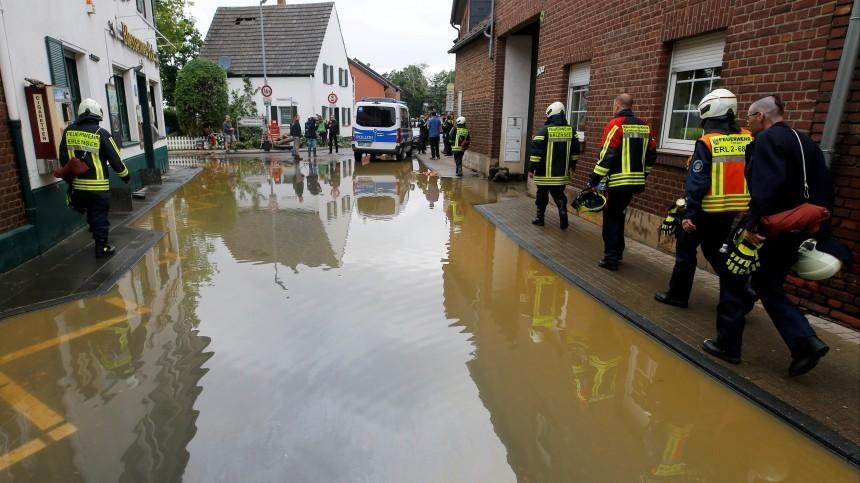 Число жертв сильного наводнения назападе вГермании достигло 133 человек