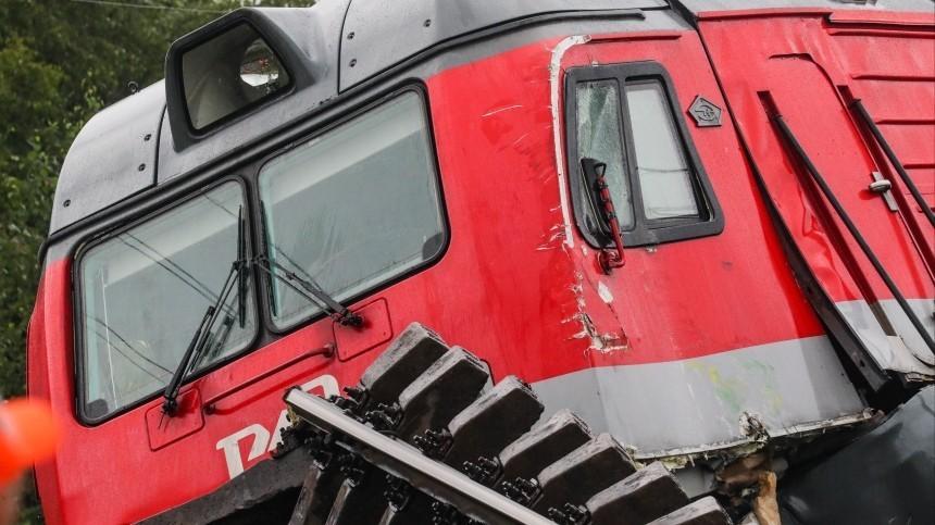 Жертвами столкновения грузовых поездов вПриамурье стали два человека